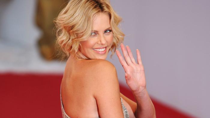 Top 20 actresses with the best hand wave