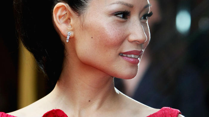 axn-lucy-liu-doesnt-seem-to-age-1600x900